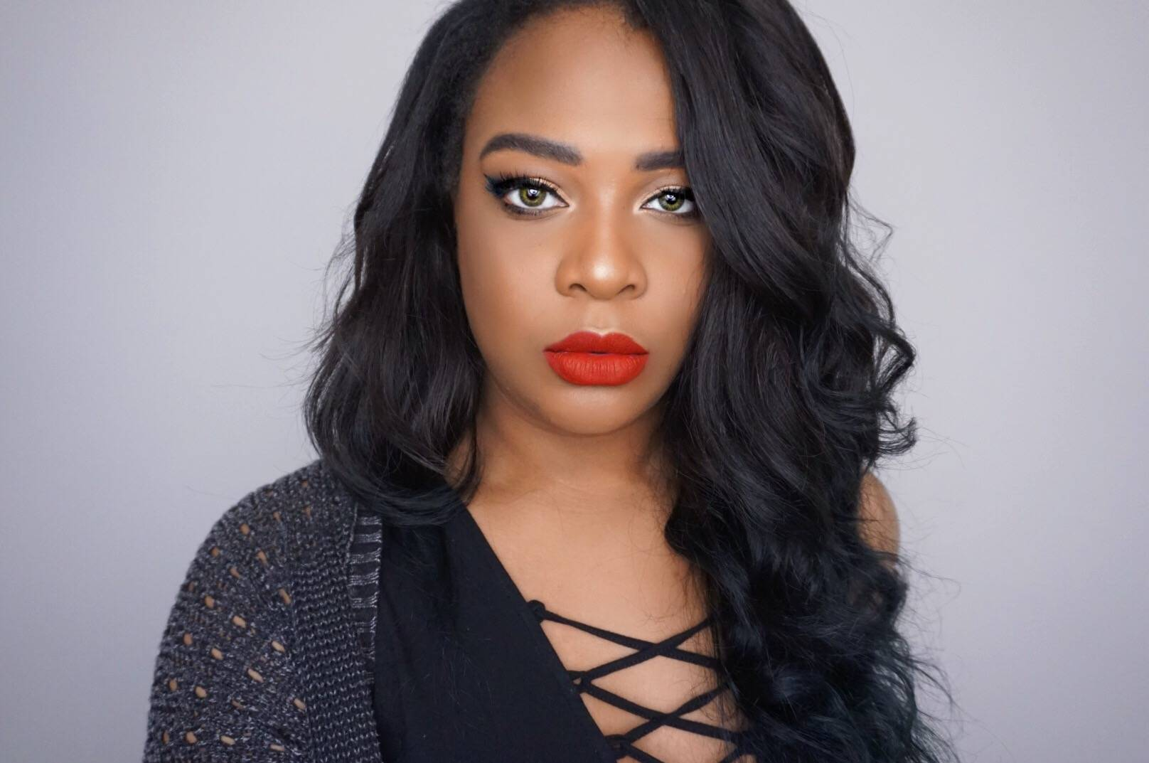 precise eyeliner perfect matte red lip look