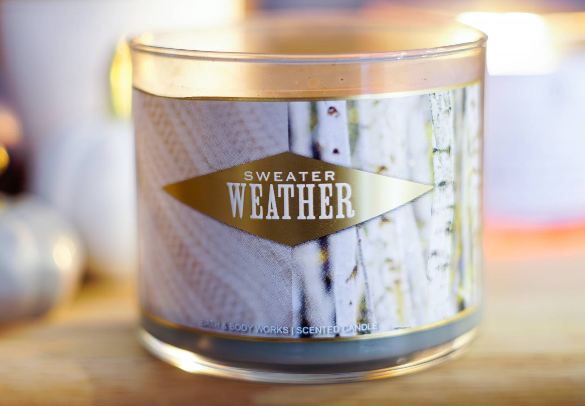 bath and body works bbw sweater weather candle review