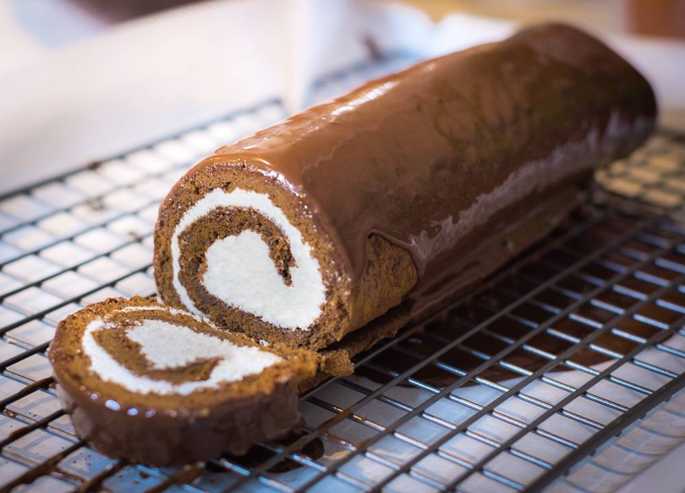 chocolate swiss cake roll